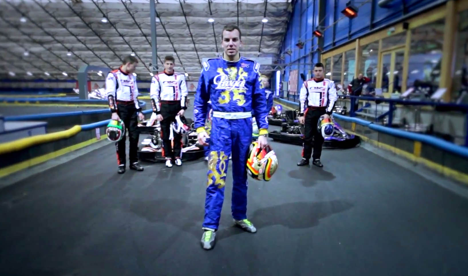 VIDEO: Rental Kart Crash Race! - Professional Drivers fight at Praga Arena