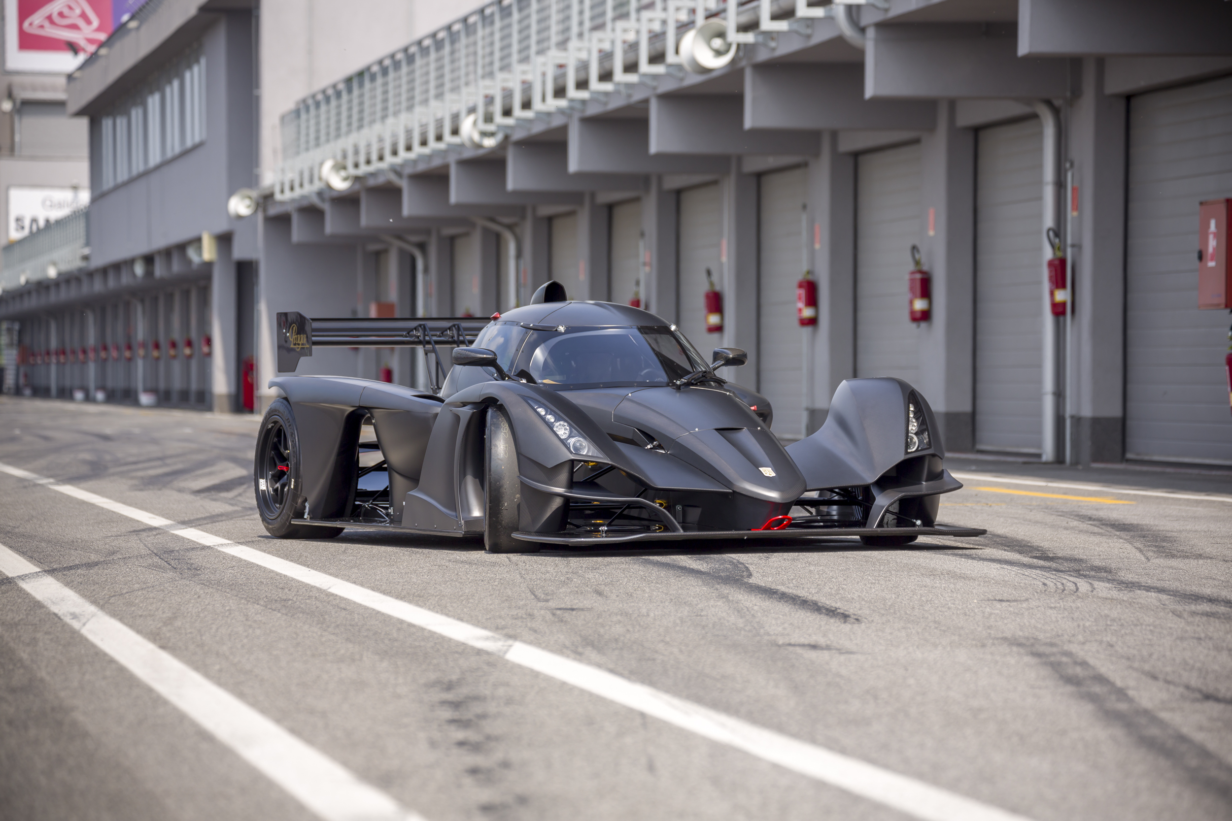 Praga Cars started 2nd production series of R1's race cars