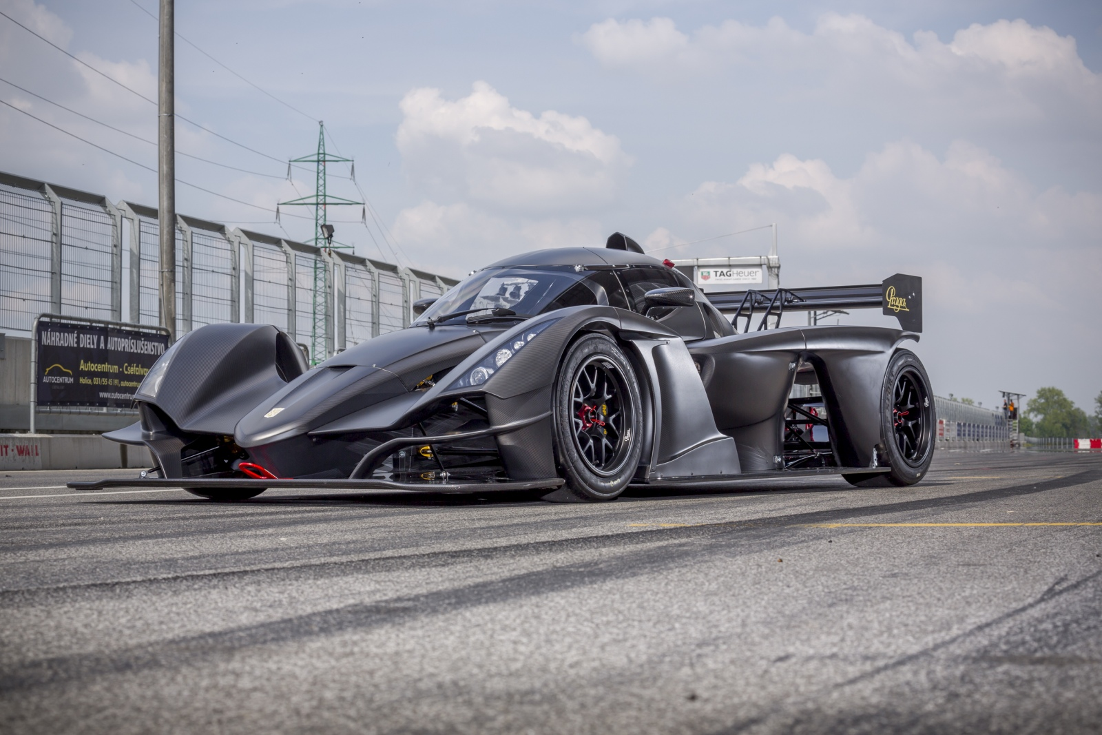 Praga R1 Turbo Full-Carbon does SlovakiaRing in 1:58,41