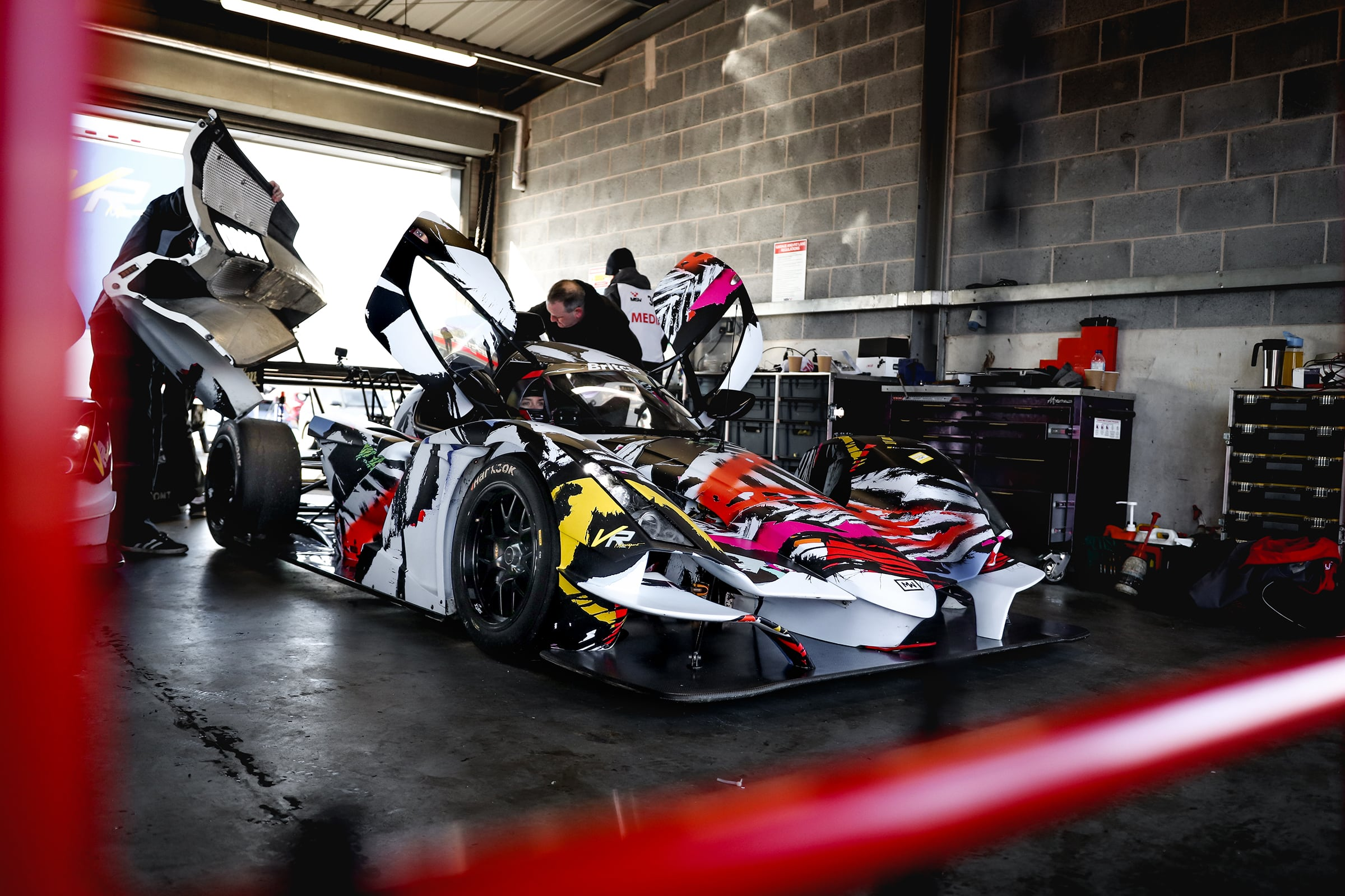 Praga Cars and VR Motorsport reveal new three-car 2020 Britcar line-up