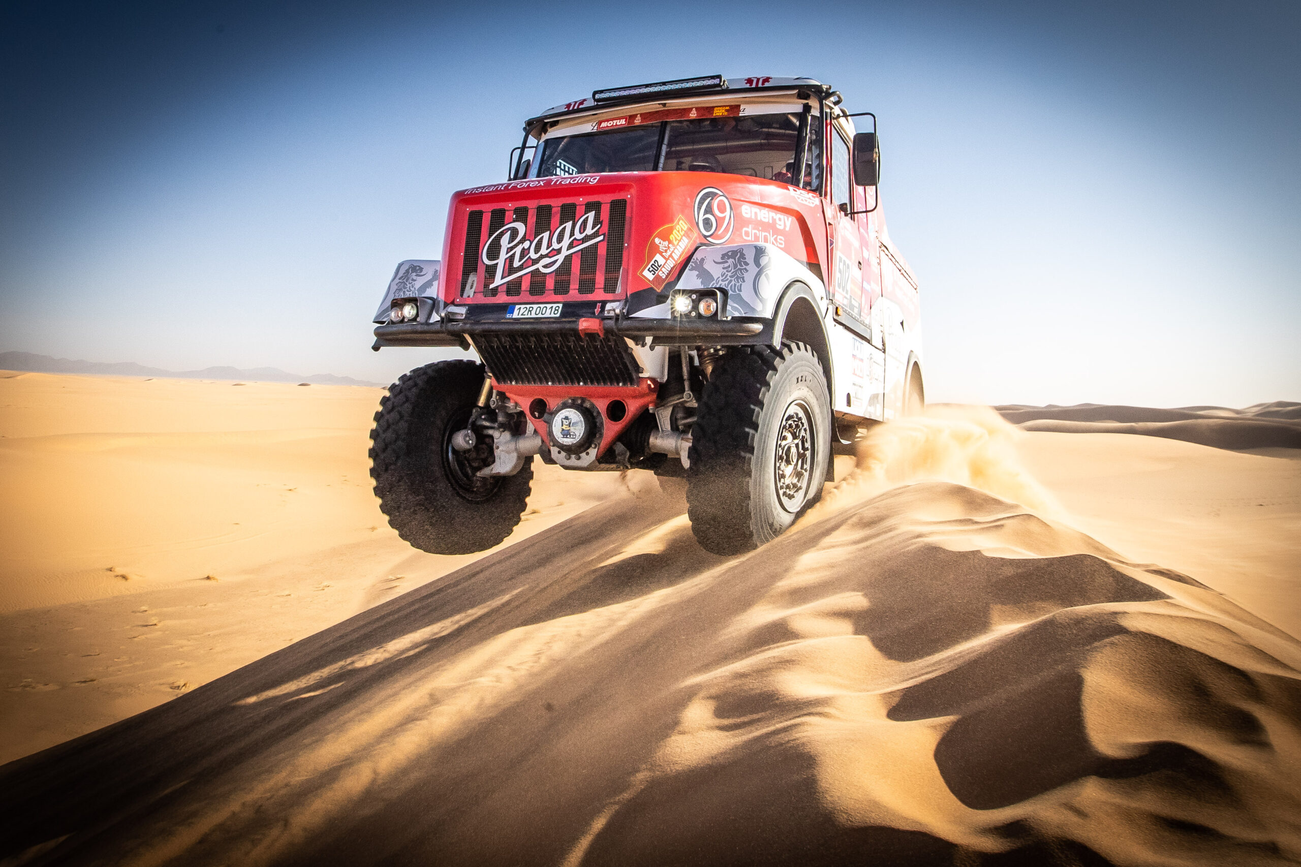 Instaforex Loprais Praga Team heads to Dakar 2021 with new strategy