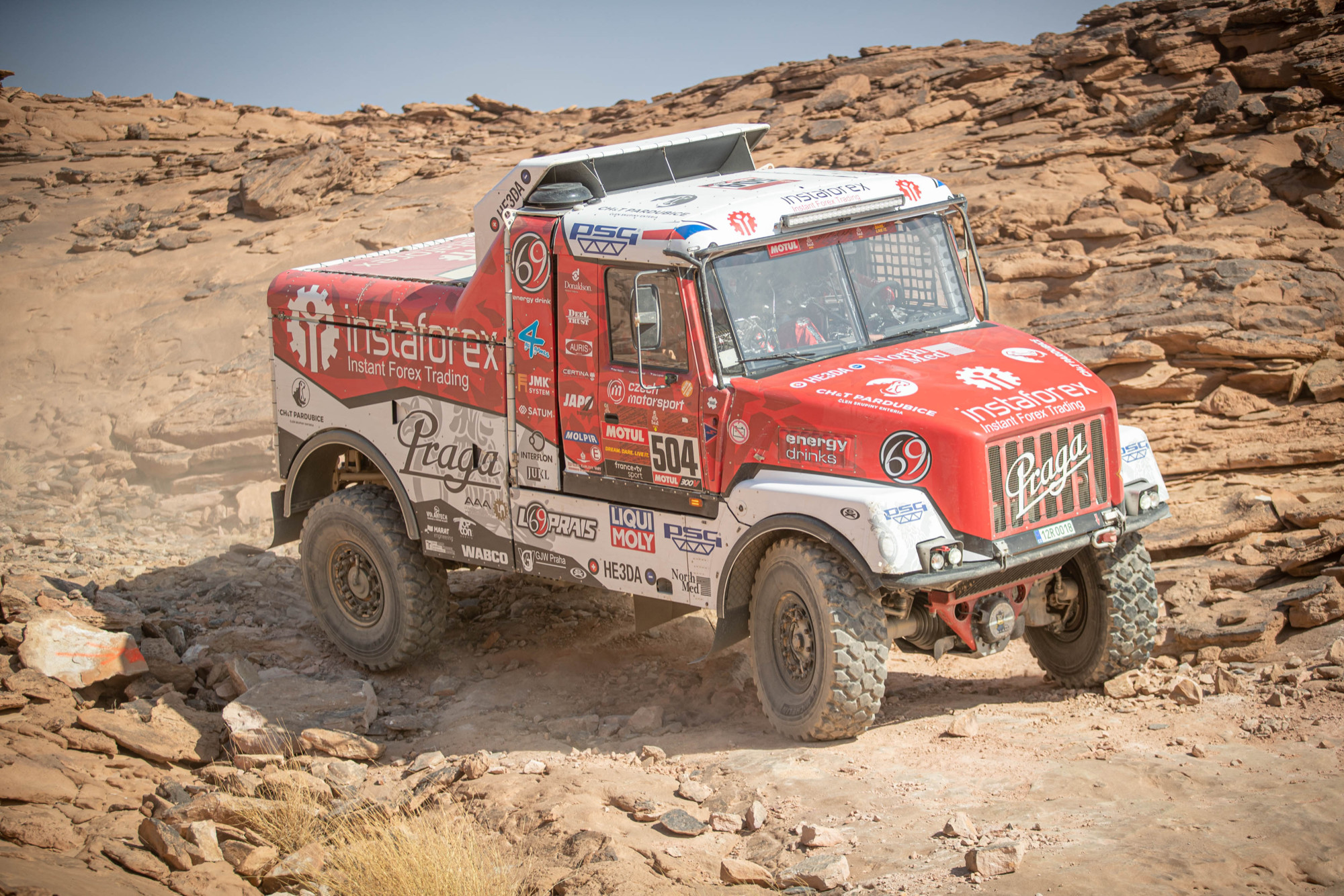 "Aleš Loprais praises organisers: ""This is the real Dakar, I can feel every bone in my body!"""