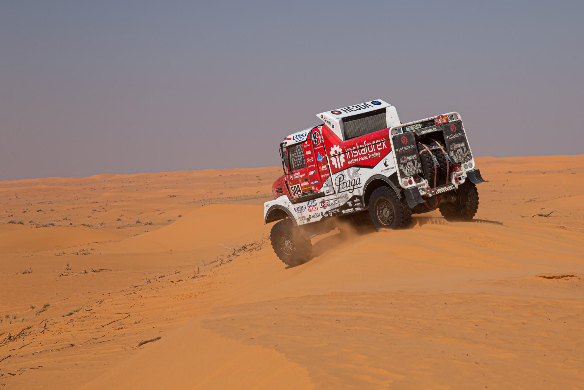 2021 Dakar is halfway through, Aleš Loprais is 5 minutes from podium