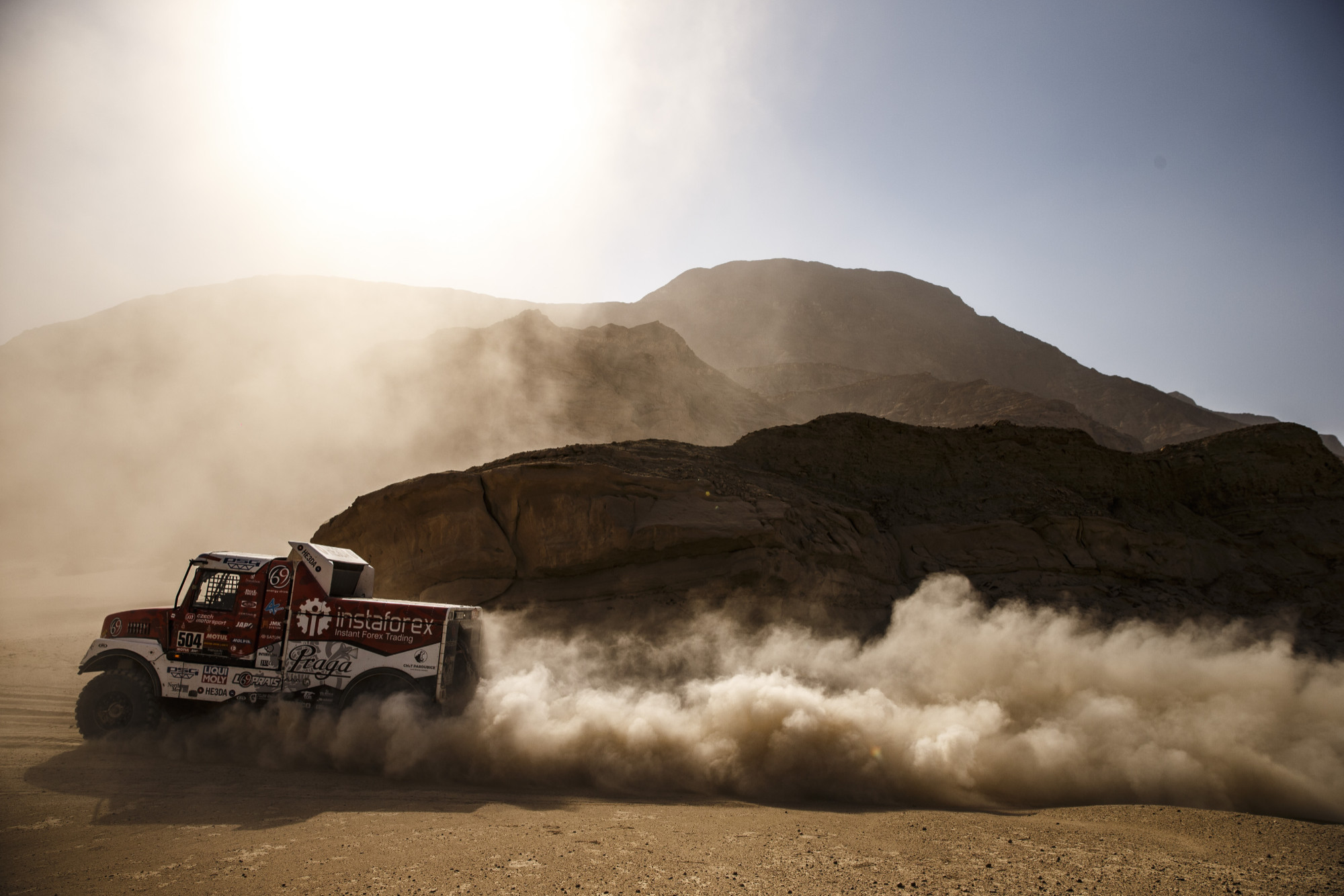 Praga | Dakar 2021: Toughest stage, but still calm. Is the storm coming?