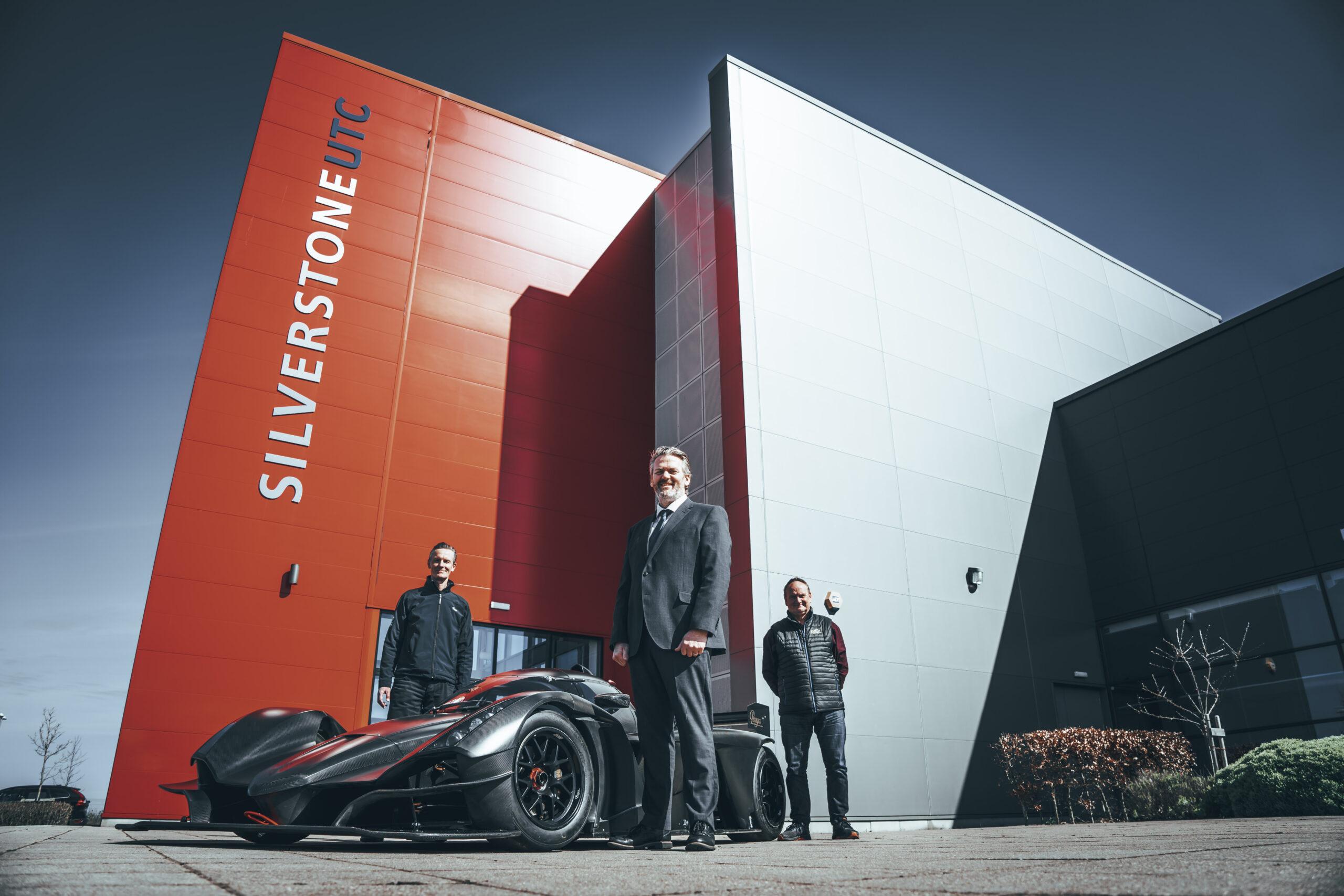 Podium Partnership for Praga Cars, Silverstone  University Technical College and VR  Motorsport